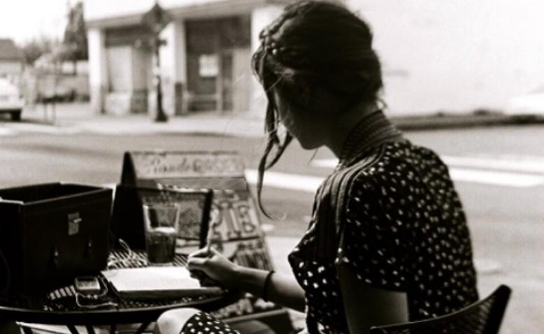 Resultado de imagen para mujeres escritoras